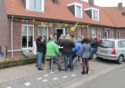2018-1-28 Brandeliers versieren van de residenties van de Hoogheden prins Alex I & adjudant Charles Theunis van der Meulen