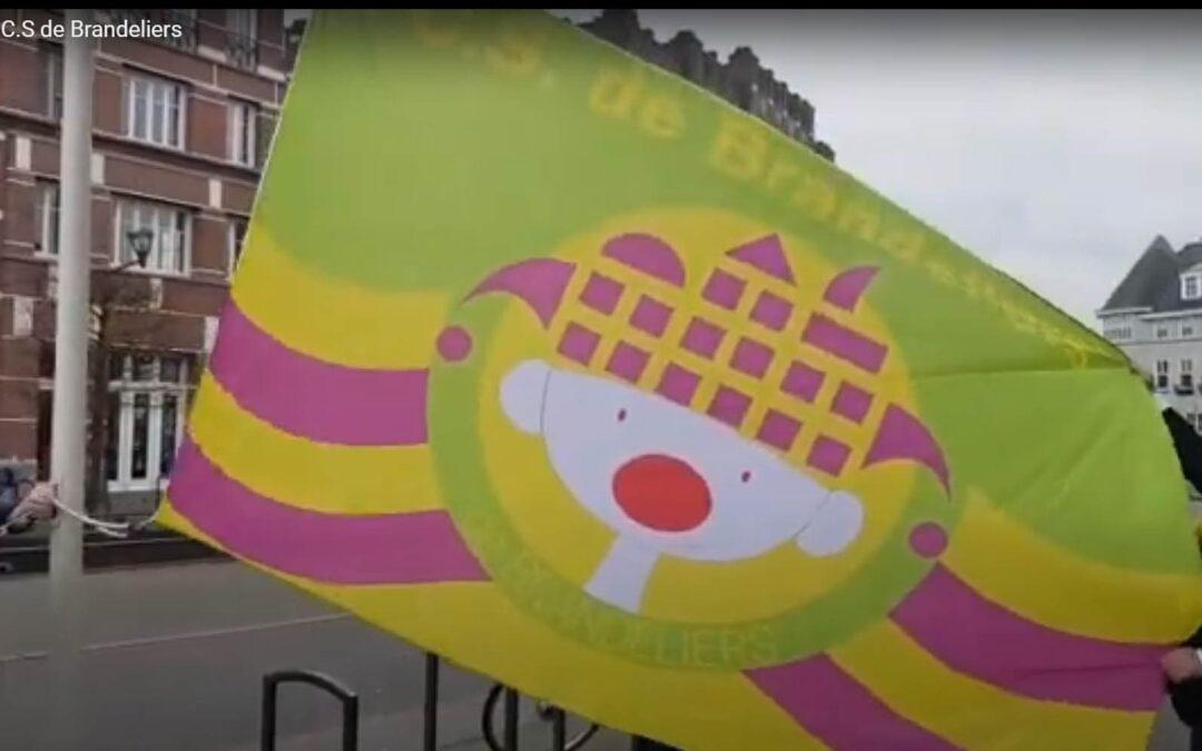 vlag hijsen C.S de Brandeliers